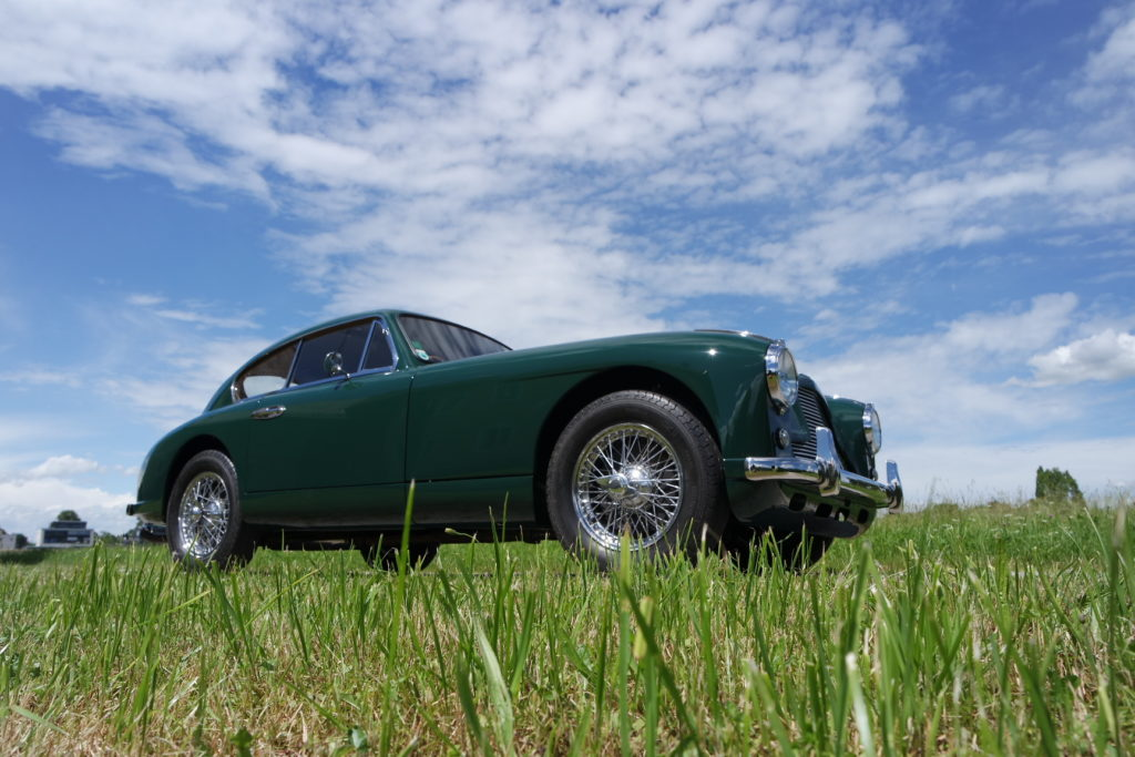 Aston-Martin-DB2_SAM_3536