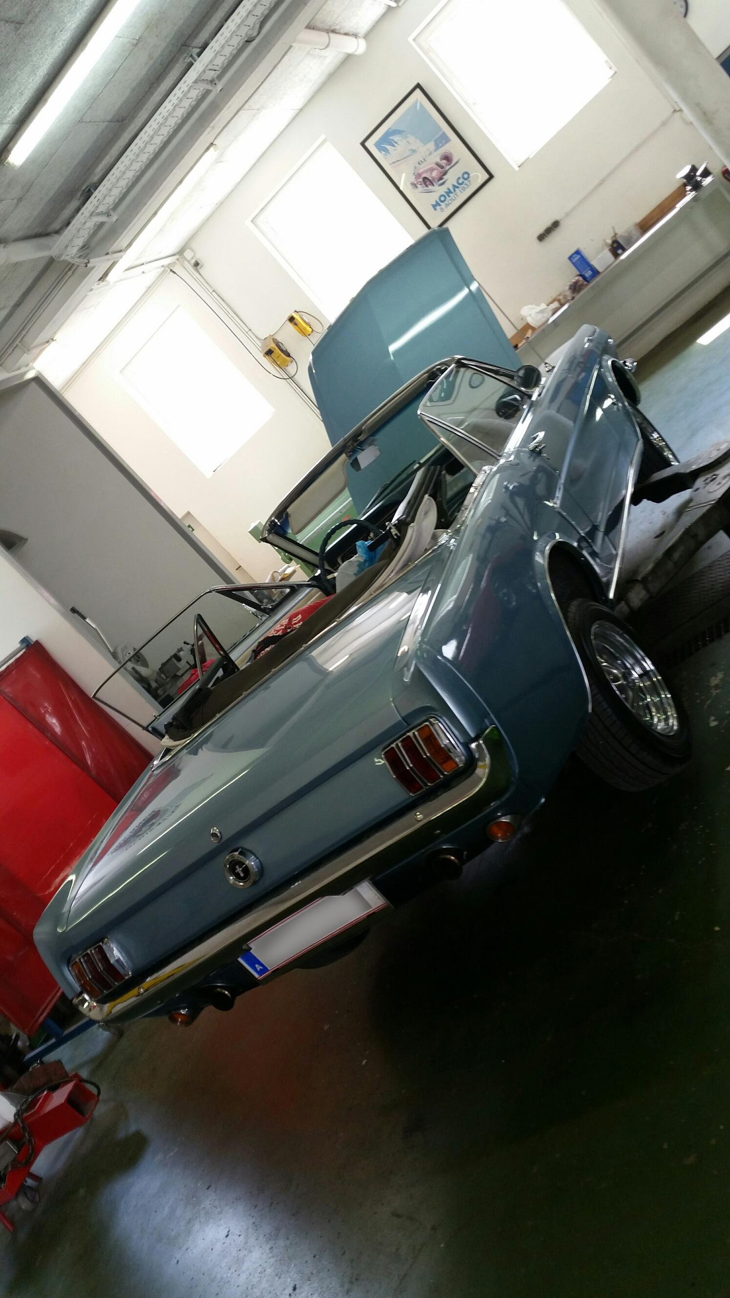 Ford Mustang Cabriolet r blau