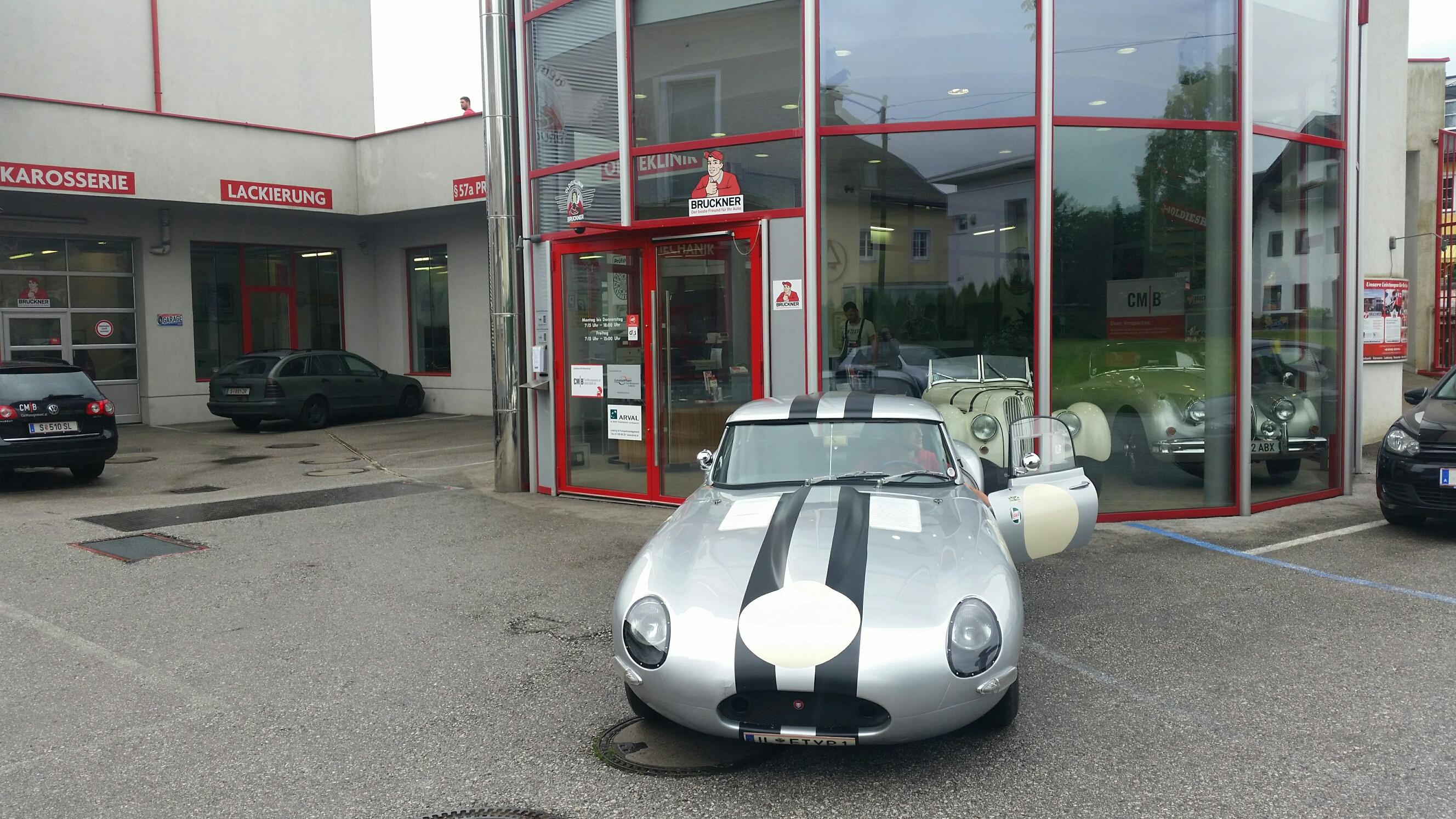 Jaguar E Type Lightweight Racing